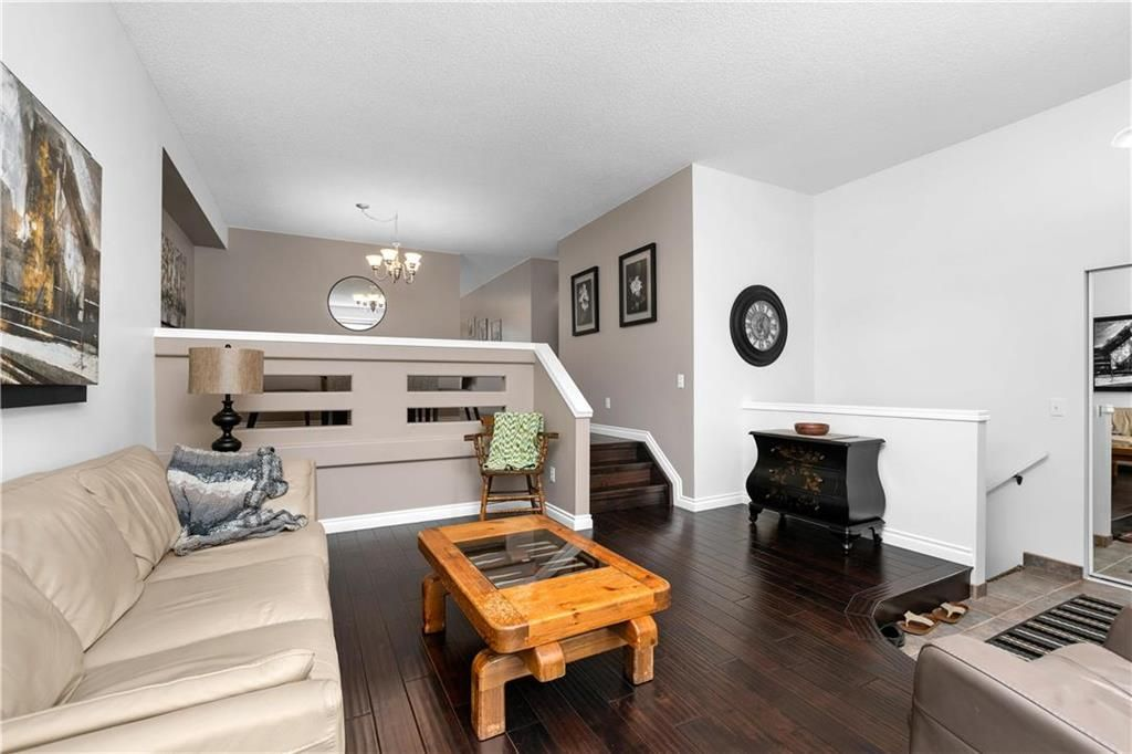 Photo 5: Photos: 1115 Waterford Avenue in Winnipeg: West Fort Garry Residential for sale (1Jw)  : MLS®# 202116113