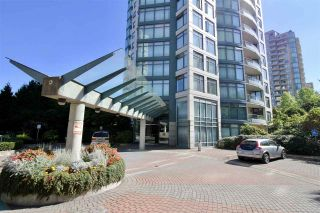 """Photo 1: 1002 4567 HAZEL Street in Burnaby: Forest Glen BS Condo for sale in """"THE MONARCH"""" (Burnaby South)  : MLS®# R2351708"""