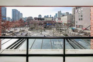 "Photo 4: 310 977 MAINLAND Street in Vancouver: Yaletown Condo for sale in ""YALETOWN PARK III by Wall Financial"" (Vancouver West)  : MLS®# R2241322"