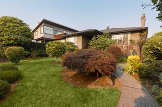 """Main Photo: 1036 GRAND Boulevard in North Vancouver: Boulevard House for sale in """"Grand Boulevard"""" : MLS®# R2616987"""