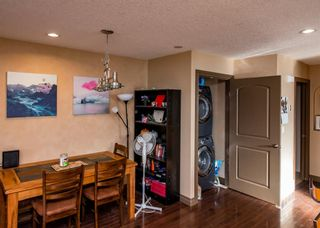 Photo 6: 3712A 41 Street SW in Calgary: Glenbrook Semi Detached for sale : MLS®# A1100932