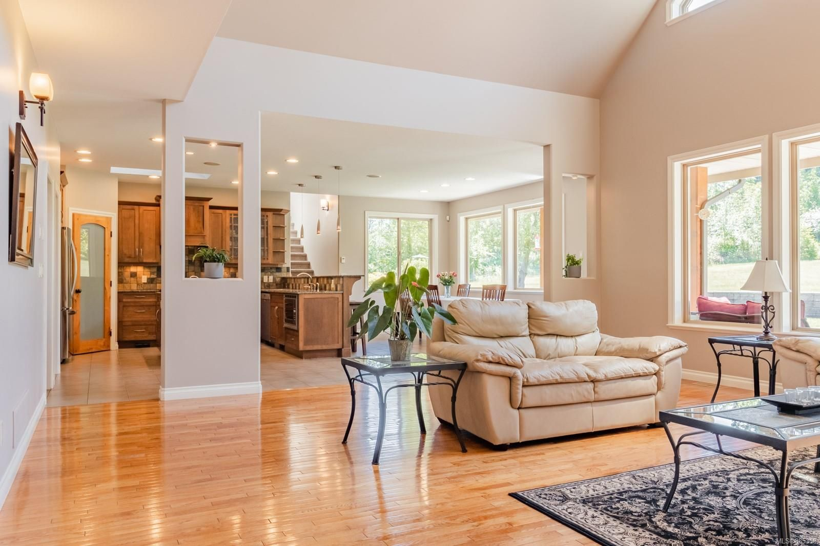 Photo 13: Photos: 2850 Peters Rd in : PQ Qualicum Beach House for sale (Parksville/Qualicum)  : MLS®# 885358
