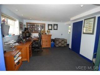 Photo 8:  in VICTORIA: SW Tillicum Half Duplex for sale (Saanich West)  : MLS®# 484459