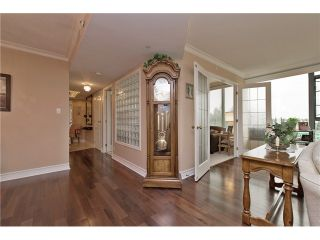 """Photo 5: 701 32330 S FRASER Way in Abbotsford: Abbotsford West Condo for sale in """"Town Center Tower"""" : MLS®# F1435777"""