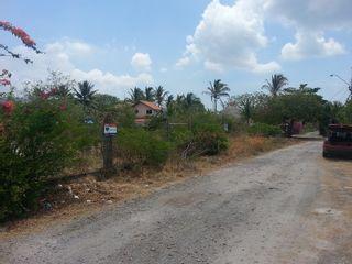 Photo 3: Playa Malibu, Nueva Gorgona - Single large lot with beach access!