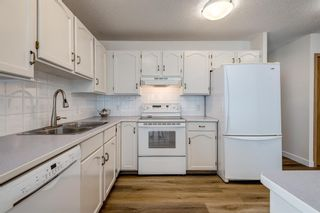 Photo 9: 150 Somervale Point SW in Calgary: Somerset Row/Townhouse for sale : MLS®# A1130189