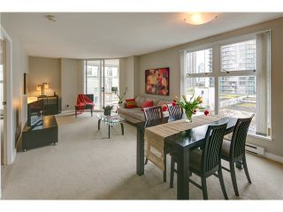 """Photo 2: B705 1331 HOMER Street in Vancouver: Yaletown Condo for sale in """"PACIFIC POINT"""" (Vancouver West)  : MLS®# V990433"""