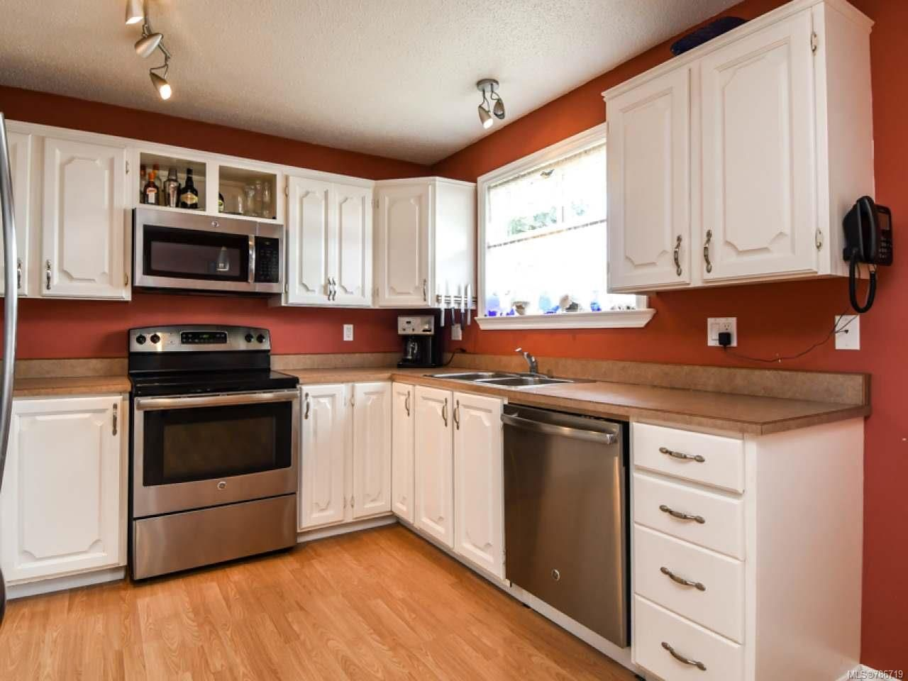 Photo 13: Photos: 1234 Denis Rd in CAMPBELL RIVER: CR Campbell River Central House for sale (Campbell River)  : MLS®# 786719