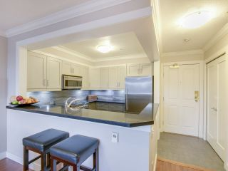 """Photo 10: 408 525 WHEELHOUSE Square in Vancouver: False Creek Condo for sale in """"HENLEY COURT"""" (Vancouver West)  : MLS®# R2123953"""