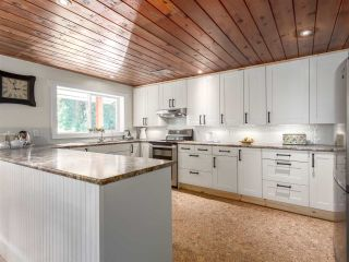 Photo 7: 14848 SQUAMISH VALLEY ROAD in Squamish: Upper Squamish House for sale : MLS®# R2193878