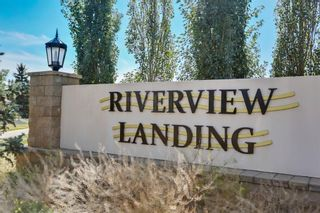 Photo 2: 6 Riverview Landing SE in Calgary: Riverbend Multi Family for sale : MLS®# A1051903