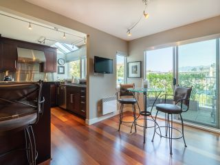 """Photo 18: 1594 ISLAND PARK Walk in Vancouver: False Creek Townhouse for sale in """"THE LAGOONS"""" (Vancouver West)  : MLS®# R2297532"""