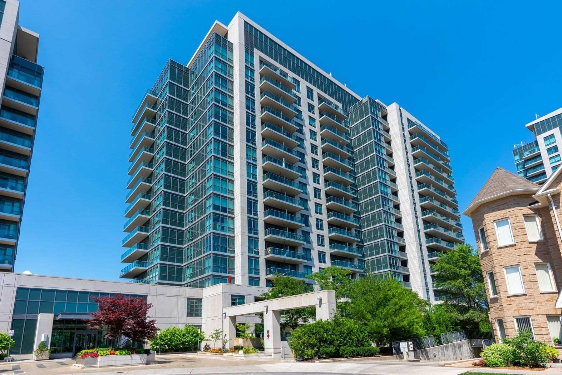 Main Photo: 409 35 Brian Peck Crescent in Toronto: Thorncliffe Park Condo for sale (Toronto C11)  : MLS®# C4839136
