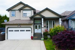 Photo 1: 27973 TRESTLE Avenue in Abbotsford: Aberdeen House for sale : MLS®# R2587115