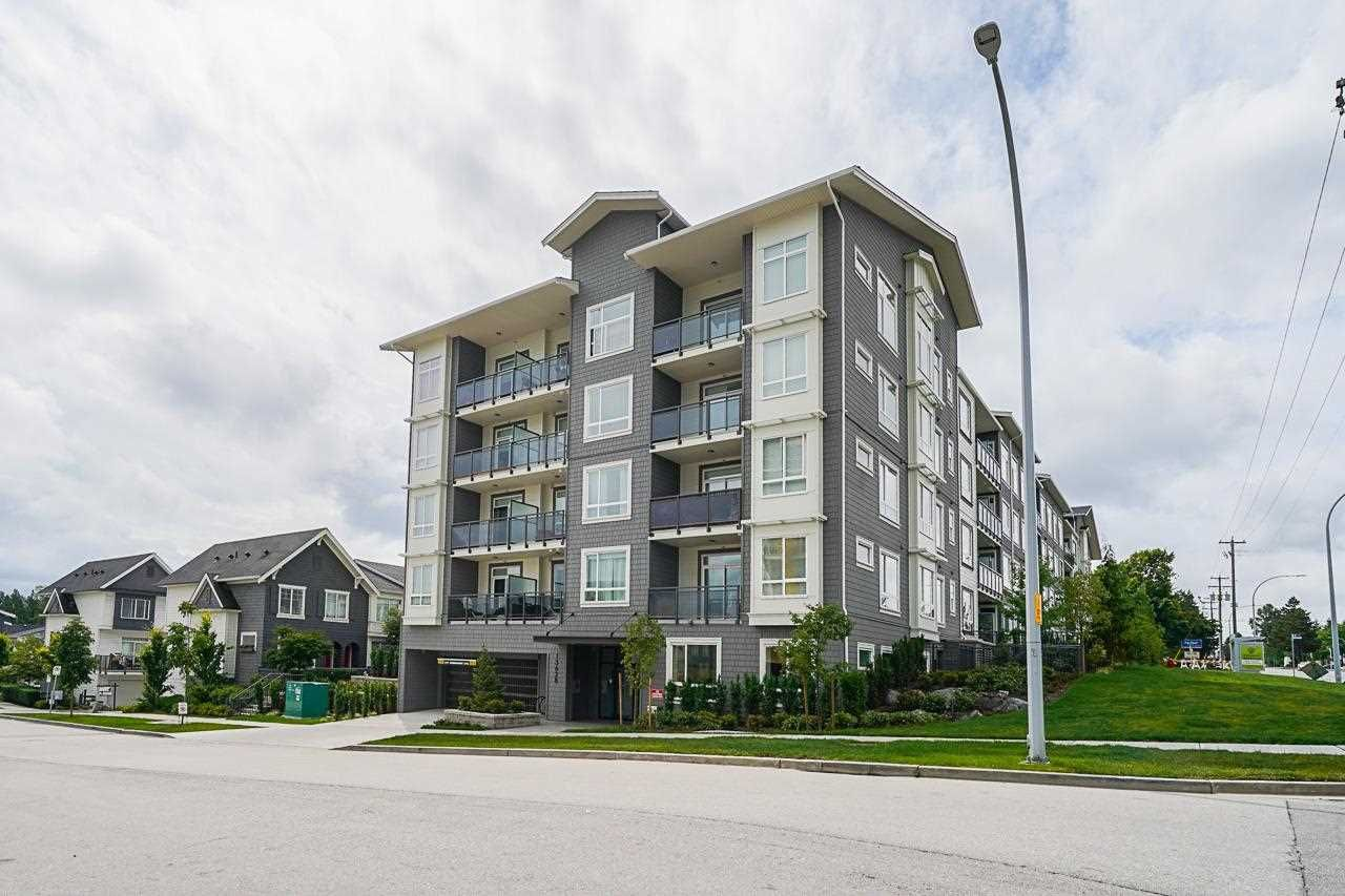"""Main Photo: 114 13628 81A Avenue in Surrey: Bear Creek Green Timbers Condo for sale in """"King's Landing"""" : MLS®# R2592974"""
