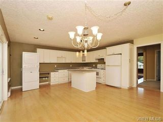 Photo 3: 3577 Kelly Dawn Pl in VICTORIA: La Walfred House for sale (Langford)  : MLS®# 684313