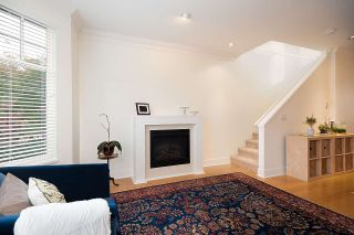 """Photo 7: 2158 W 8TH Avenue in Vancouver: Kitsilano Townhouse for sale in """"Handsdowne Row"""" (Vancouver West)  : MLS®# R2514357"""