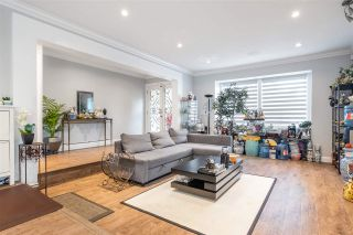 """Photo 2: 15667 101 Avenue in Surrey: Guildford House for sale in """"Somerset"""" (North Surrey)  : MLS®# R2481951"""