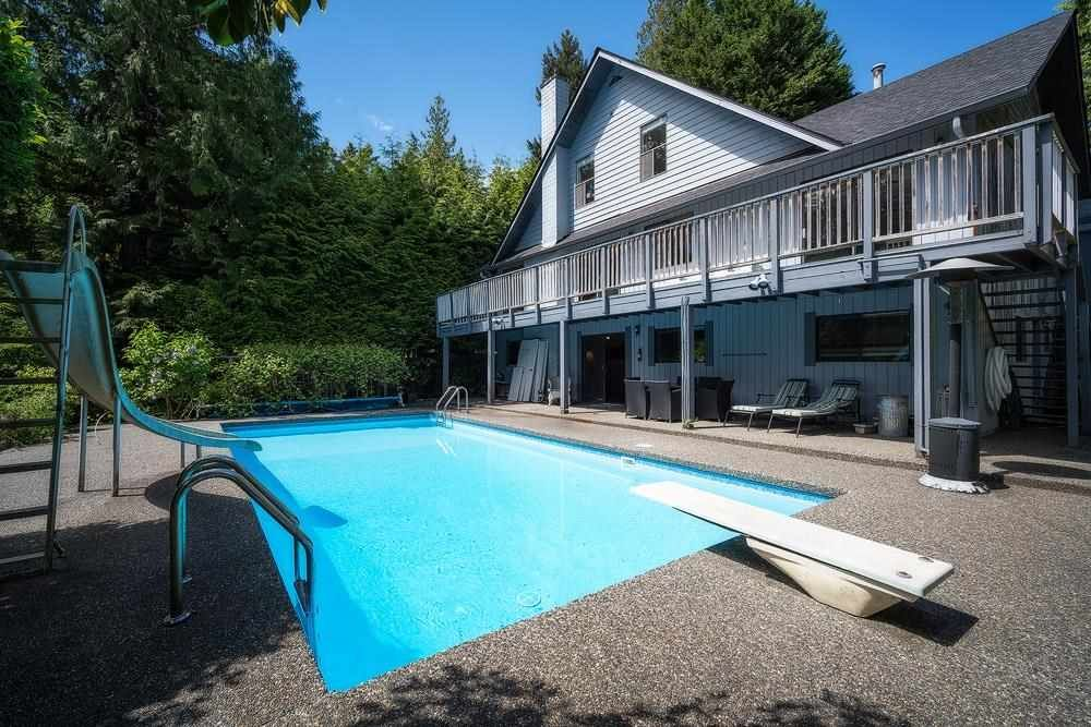 Main Photo: 4702 WILLOW Place in West Vancouver: Caulfeild House for sale : MLS®# R2617420