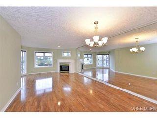 Photo 3: 310 1085 Tillicum Rd in VICTORIA: Es Kinsmen Park Condo for sale (Esquimalt)  : MLS®# 725059