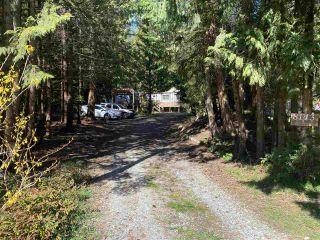 Photo 2: 8143 CEDARWOOD Road in Halfmoon Bay: Halfmn Bay Secret Cv Redroofs Manufactured Home for sale (Sunshine Coast)  : MLS®# R2560997