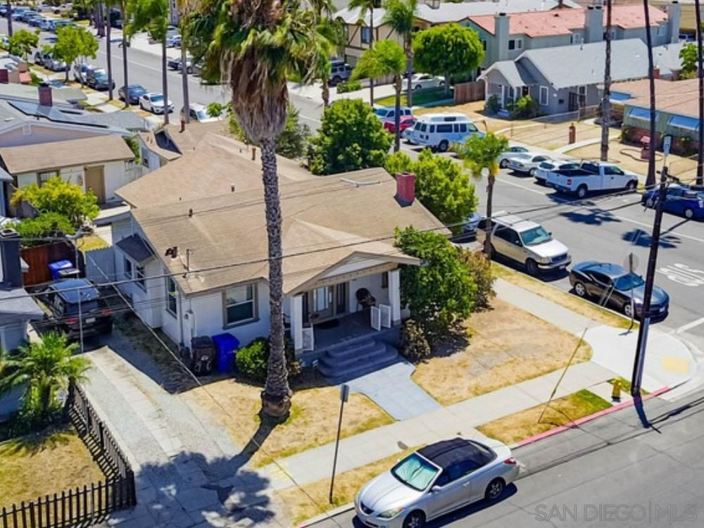 Main Photo: UNIVERSITY HEIGHTS Property for sale: 4585-87 Kansas St in San Diego