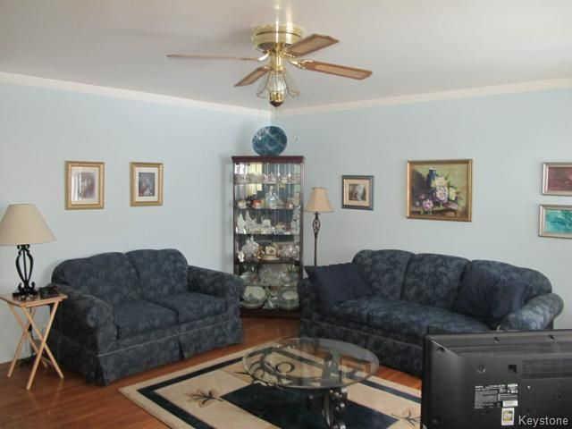 Photo 12: Photos:  in WINNIPEG: Transcona Residential for sale (North East Winnipeg)  : MLS®# 1402119
