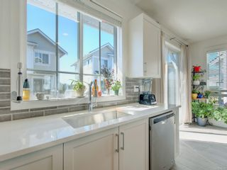 Photo 4: 56 370 Latoria Blvd in : Co Royal Bay Row/Townhouse for sale (Colwood)  : MLS®# 882214