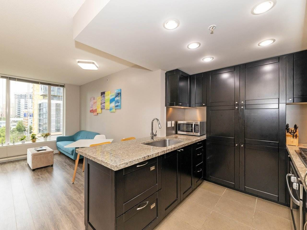 """Main Photo: 901 1133 HOMER Street in Vancouver: Yaletown Condo for sale in """"H&H"""" (Vancouver West)  : MLS®# R2470205"""