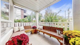 """Photo 10: 204 1623 E 2ND Avenue in Vancouver: Grandview Woodland Condo for sale in """"GRANDVIEW MANOR"""" (Vancouver East)  : MLS®# R2502510"""
