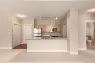 """Photo 6: 603 1211 VILLAGE GREEN Way in Squamish: Downtown SQ Condo for sale in """"ROCKCLIFF"""" : MLS®# R2573545"""