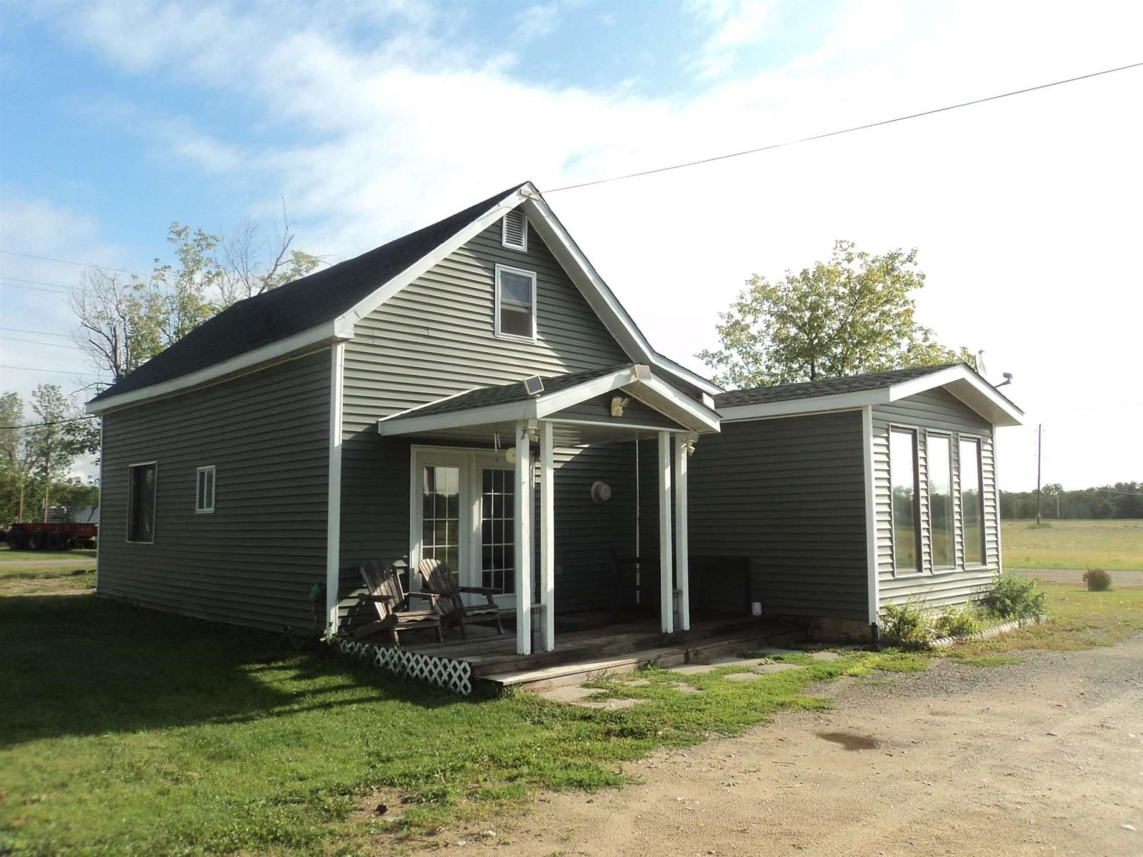 Main Photo: 718 Marion Street in Rainy River (Dawson): House for sale : MLS®# TB210627