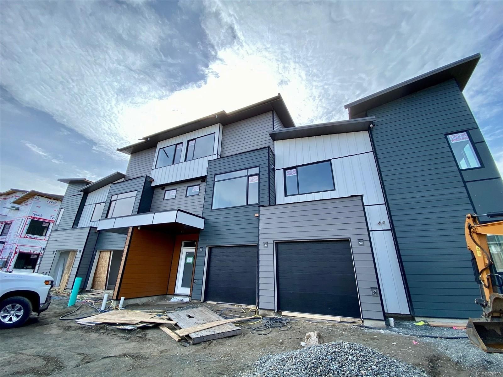 Main Photo: D1 327 Hilchey Rd in : CR Willow Point Row/Townhouse for sale (Campbell River)  : MLS®# 870589