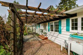 "Photo 2: 12645 27A Avenue in Surrey: Crescent Bch Ocean Pk. House for sale in ""Ocean Park"" (South Surrey White Rock)  : MLS®# R2251653"