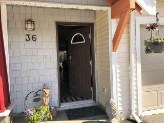 "Photo 2: 36 1821 WILLOW Crescent in Squamish: Garibaldi Estates Townhouse for sale in ""WILLOW VILLAGE"" : MLS®# R2408491"