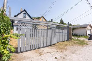 Photo 28: 692 Furby Street in Winnipeg: West End Residential for sale (5A)  : MLS®# 202117061