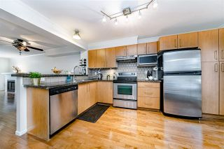 """Photo 9: 7332 SALISBURY Avenue in Burnaby: Highgate Townhouse for sale in """"BONTANICA"""" (Burnaby South)  : MLS®# R2430415"""