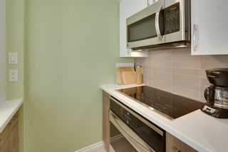 """Photo 11: 401 1406 HARWOOD Street in Vancouver: West End VW Condo for sale in """"JULIA COURT"""" (Vancouver West)  : MLS®# R2568055"""