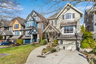 """Photo 2: 3316 ROSEMARY HEIGHTS Crescent in Surrey: Morgan Creek House for sale in """"Rosemary Village"""" (South Surrey White Rock)  : MLS®# R2544644"""