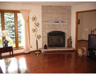 Photo 2: 31 FAIRLAND Cove in WINNIPEG: Fort Garry / Whyte Ridge / St Norbert Residential for sale (South Winnipeg)  : MLS®# 2812376