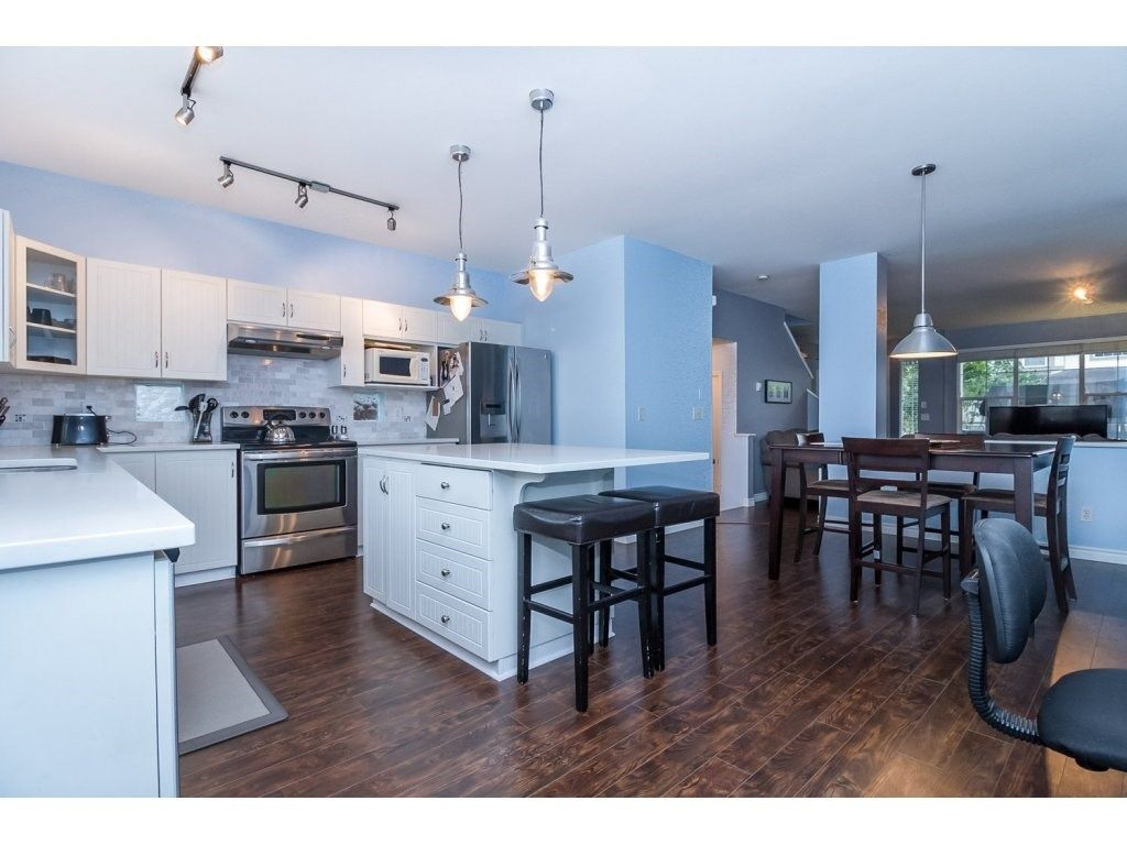 """Photo 8: Photos: 18479 66A Avenue in Surrey: Cloverdale BC House for sale in """"Heartland"""" (Cloverdale)  : MLS®# R2095726"""