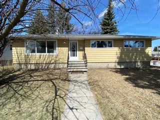 Photo 2: 2904 13 AV NW in Calgary: St Andrews Heights House for sale : MLS®# C4289324