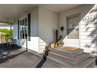 Photo 5: 46563 RIVERSIDE Drive in Chilliwack: Chilliwack N Yale-Well House for sale : MLS®# R2616567