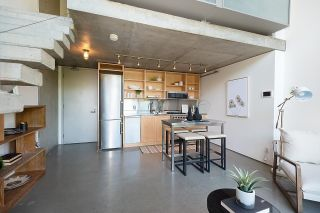 """Photo 10: 508 1540 W 2ND Avenue in Vancouver: False Creek Condo for sale in """"WATERFALL"""" (Vancouver West)  : MLS®# R2594378"""