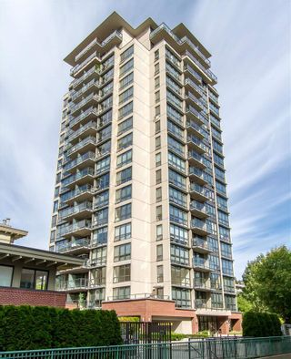 """Photo 1: 1804 2959 GLEN Drive in Coquitlam: North Coquitlam Condo for sale in """"The Parc"""" : MLS®# R2398572"""
