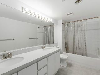 "Photo 12: 1190 RICHARDS Street in Vancouver: Yaletown Townhouse for sale in ""Park Plaza"" (Vancouver West)  : MLS®# V1122605"