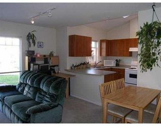 """Photo 4: 19 1821 WILLOW Crescent in Squamish: Garibaldi Estates Townhouse for sale in """"WILLOW VILLAGE"""" : MLS®# V668258"""