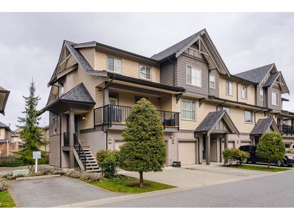"""Main Photo: 95 9525 204 Street in Langley: Walnut Grove Townhouse for sale in """"TIME"""" : MLS®# R2444659"""