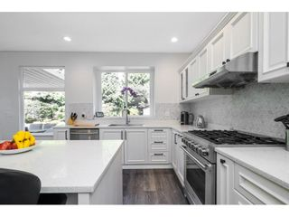 Photo 12: 15517 ROSEMARY HEIGHTS Crescent in Surrey: Morgan Creek House for sale (South Surrey White Rock)  : MLS®# R2615728