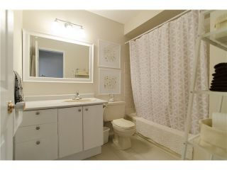 Photo 12: 279 BALMORAL Place in Port Moody: North Shore Pt Moody Townhouse for sale : MLS®# V1055065